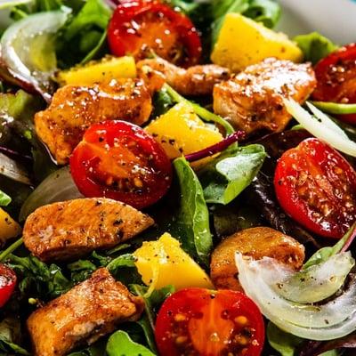Tandoori csirkehúsos saláta